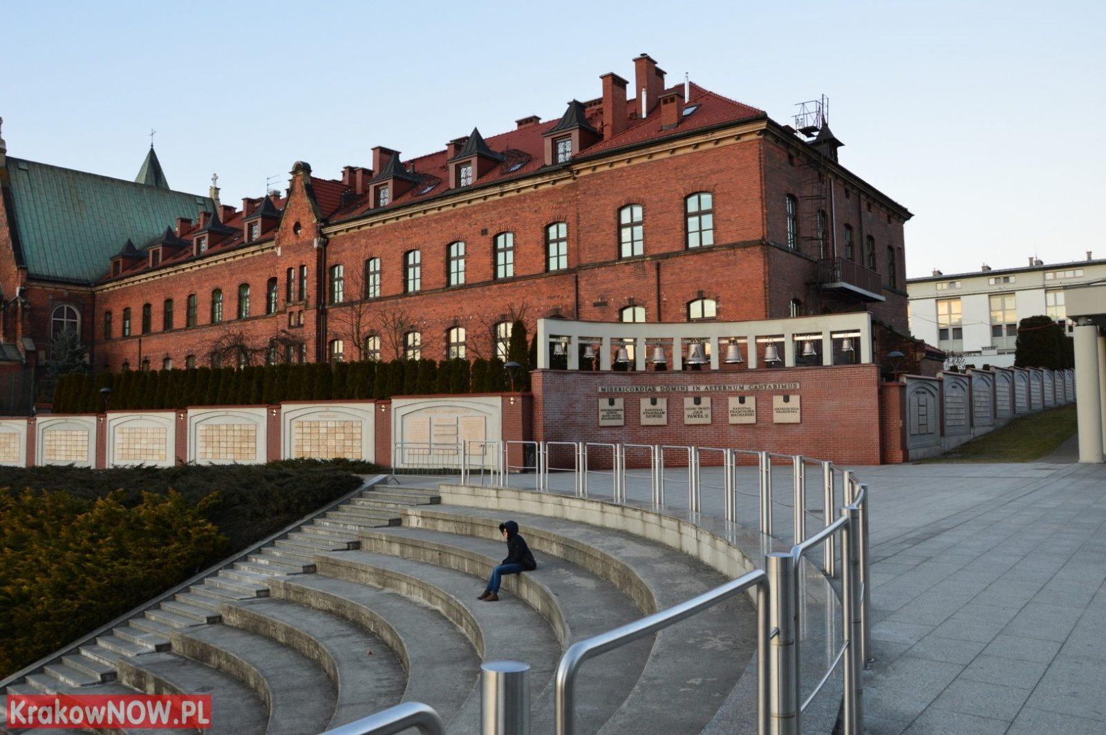 sanktuarium bozego milosierdzia krakow lagiewniki 37 - Children time to make something