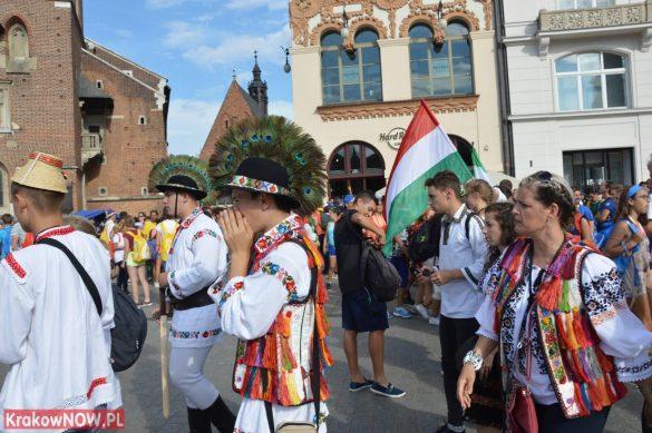 sdm friday krakow2016 swiatowe dni mlodziezy 1 585x389 - Galeria zdjęć (Piątek) Światowe Dni Młodzieży w Krakowie