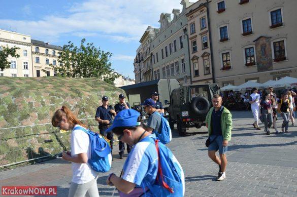 sdm friday krakow2016 swiatowe dni mlodziezy 10 585x389 - Galeria zdjęć (Piątek) Światowe Dni Młodzieży w Krakowie