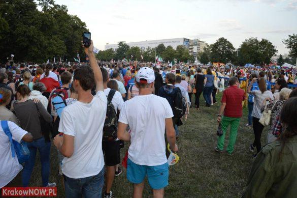 sdm friday krakow2016 swiatowe dni mlodziezy 102 585x389 - Galeria zdjęć (Piątek) Światowe Dni Młodzieży w Krakowie