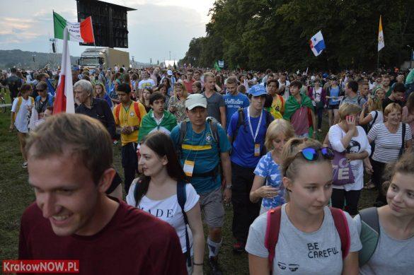 sdm friday krakow2016 swiatowe dni mlodziezy 103 585x389 - Galeria zdjęć (Piątek) Światowe Dni Młodzieży w Krakowie