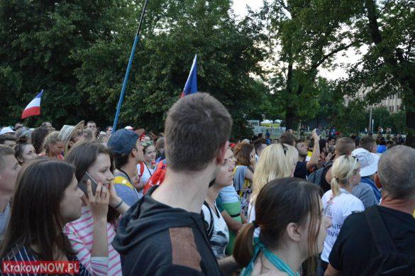 sdm friday krakow2016 swiatowe dni mlodziezy 118 585x389 - Galeria zdjęć (Piątek) Światowe Dni Młodzieży w Krakowie