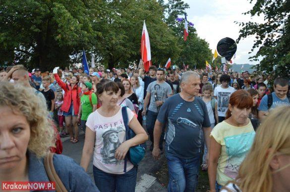 sdm friday krakow2016 swiatowe dni mlodziezy 126 585x389 - Galeria zdjęć (Piątek) Światowe Dni Młodzieży w Krakowie
