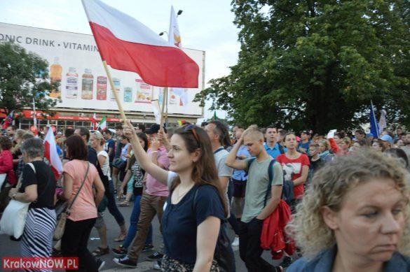 sdm friday krakow2016 swiatowe dni mlodziezy 128 585x389 - Galeria zdjęć (Piątek) Światowe Dni Młodzieży w Krakowie