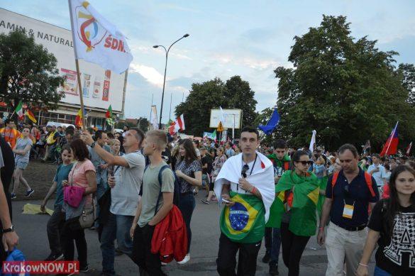 sdm friday krakow2016 swiatowe dni mlodziezy 131 585x389 - Galeria zdjęć (Piątek) Światowe Dni Młodzieży w Krakowie