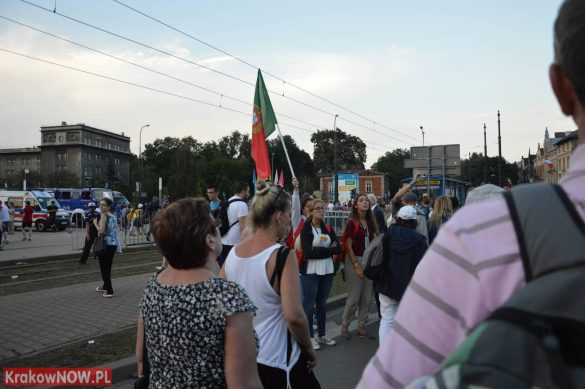 sdm friday krakow2016 swiatowe dni mlodziezy 132 585x389 - Galeria zdjęć (Piątek) Światowe Dni Młodzieży w Krakowie