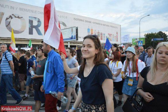 sdm friday krakow2016 swiatowe dni mlodziezy 134 585x389 - Galeria zdjęć (Piątek) Światowe Dni Młodzieży w Krakowie