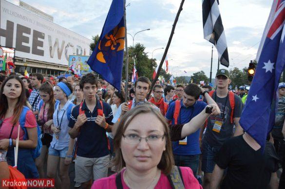 sdm friday krakow2016 swiatowe dni mlodziezy 141 585x389 - Galeria zdjęć (Piątek) Światowe Dni Młodzieży w Krakowie