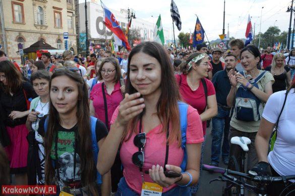 sdm friday krakow2016 swiatowe dni mlodziezy 144 585x389 - Galeria zdjęć (Piątek) Światowe Dni Młodzieży w Krakowie