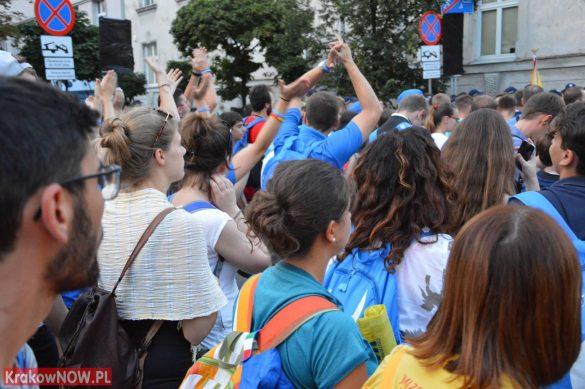 sdm friday krakow2016 swiatowe dni mlodziezy 151 585x389 - Galeria zdjęć (Piątek) Światowe Dni Młodzieży w Krakowie