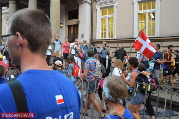 sdm friday krakow2016 swiatowe dni mlodziezy 160 585x389 - Galeria zdjęć (Piątek) Światowe Dni Młodzieży w Krakowie