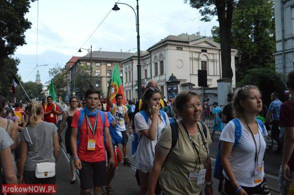 sdm friday krakow2016 swiatowe dni mlodziezy 167 585x389 - Galeria zdjęć (Piątek) Światowe Dni Młodzieży w Krakowie