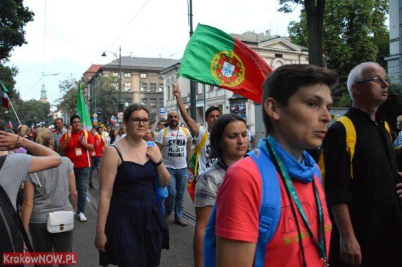 sdm friday krakow2016 swiatowe dni mlodziezy 168 585x389 - Galeria zdjęć (Piątek) Światowe Dni Młodzieży w Krakowie