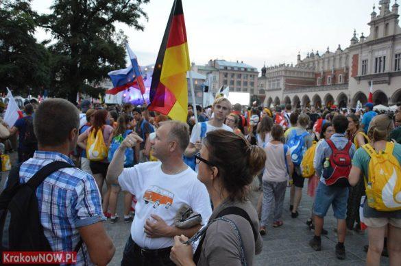 sdm friday krakow2016 swiatowe dni mlodziezy 180 585x389 - Galeria zdjęć (Piątek) Światowe Dni Młodzieży w Krakowie