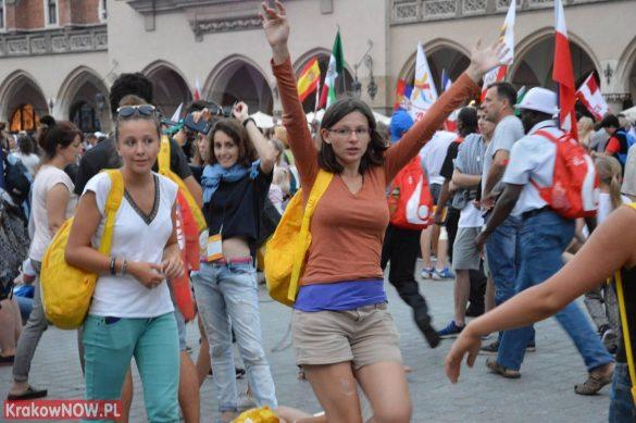 sdm friday krakow2016 swiatowe dni mlodziezy 187 585x389 - Galeria zdjęć (Piątek) Światowe Dni Młodzieży w Krakowie