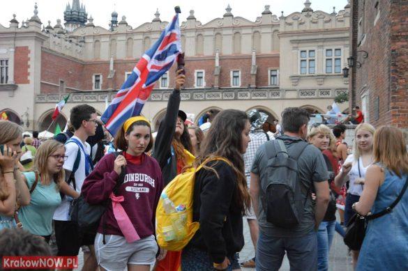sdm friday krakow2016 swiatowe dni mlodziezy 190 585x389 - Galeria zdjęć (Piątek) Światowe Dni Młodzieży w Krakowie