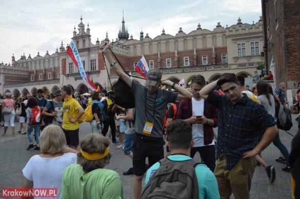 sdm friday krakow2016 swiatowe dni mlodziezy 192 585x389 - Galeria zdjęć (Piątek) Światowe Dni Młodzieży w Krakowie