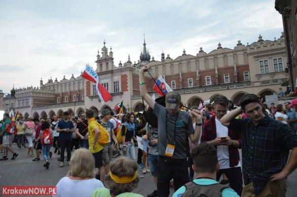 sdm friday krakow2016 swiatowe dni mlodziezy 193 585x389 - Galeria zdjęć (Piątek) Światowe Dni Młodzieży w Krakowie