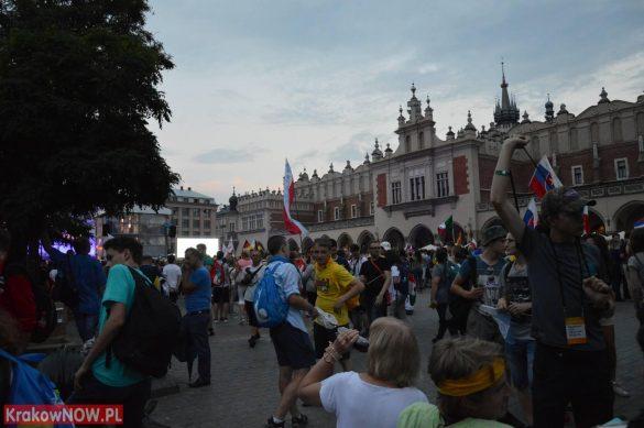sdm friday krakow2016 swiatowe dni mlodziezy 194 585x389 - Galeria zdjęć (Piątek) Światowe Dni Młodzieży w Krakowie