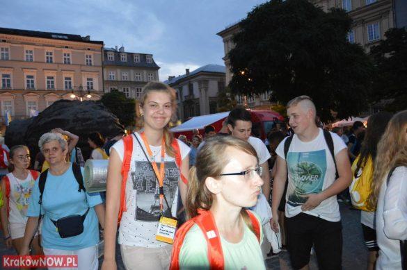 sdm friday krakow2016 swiatowe dni mlodziezy 198 585x389 - Galeria zdjęć (Piątek) Światowe Dni Młodzieży w Krakowie
