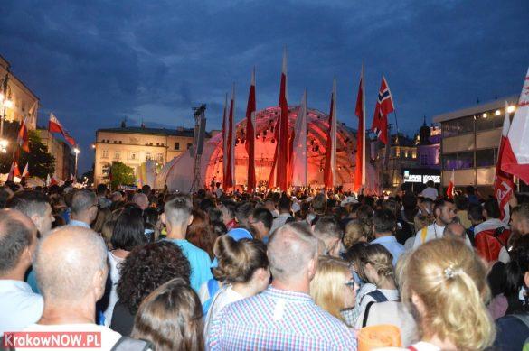 sdm friday krakow2016 swiatowe dni mlodziezy 201 585x389 - Galeria zdjęć (Piątek) Światowe Dni Młodzieży w Krakowie