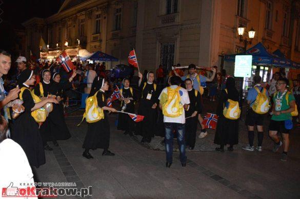 sdm friday krakow2016 swiatowe dni mlodziezy 223 585x389 - Galeria zdjęć (Piątek) Światowe Dni Młodzieży w Krakowie