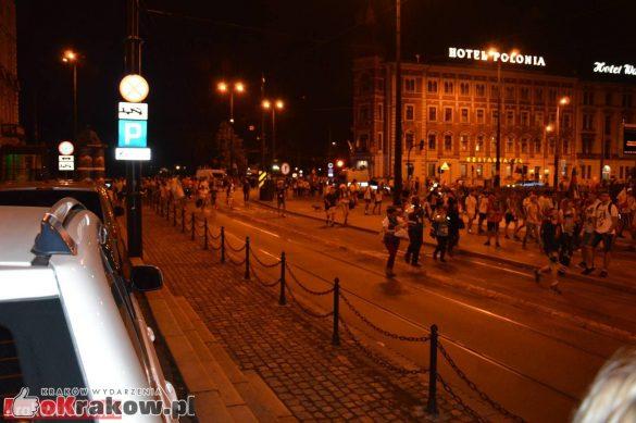 sdm friday krakow2016 swiatowe dni mlodziezy 227 585x389 - Galeria zdjęć (Piątek) Światowe Dni Młodzieży w Krakowie