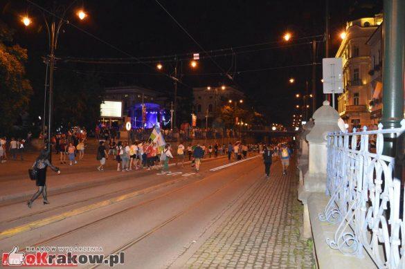 sdm friday krakow2016 swiatowe dni mlodziezy 229 585x389 - Galeria zdjęć (Piątek) Światowe Dni Młodzieży w Krakowie