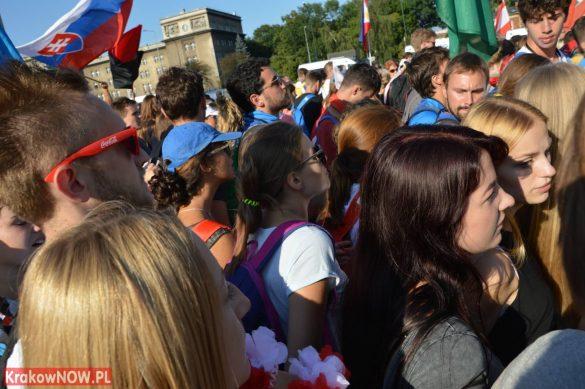 sdm friday krakow2016 swiatowe dni mlodziezy 23 585x389 - Galeria zdjęć (Piątek) Światowe Dni Młodzieży w Krakowie