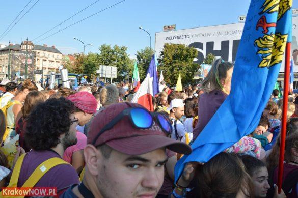 sdm friday krakow2016 swiatowe dni mlodziezy 28 585x389 - Galeria zdjęć (Piątek) Światowe Dni Młodzieży w Krakowie