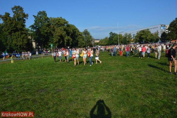 sdm friday krakow2016 swiatowe dni mlodziezy 36 585x389 - Galeria zdjęć (Piątek) Światowe Dni Młodzieży w Krakowie