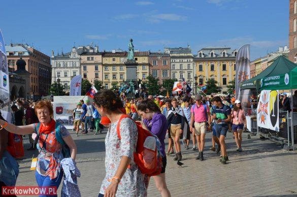 sdm friday krakow2016 swiatowe dni mlodziezy 5 585x389 - Galeria zdjęć (Piątek) Światowe Dni Młodzieży w Krakowie