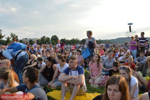 sdm friday krakow2016 swiatowe dni mlodziezy 59 585x389 - Galeria zdjęć (Piątek) Światowe Dni Młodzieży w Krakowie