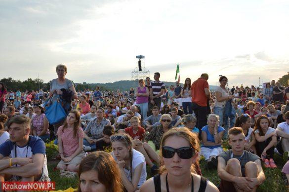sdm friday krakow2016 swiatowe dni mlodziezy 60 585x389 - Galeria zdjęć (Piątek) Światowe Dni Młodzieży w Krakowie
