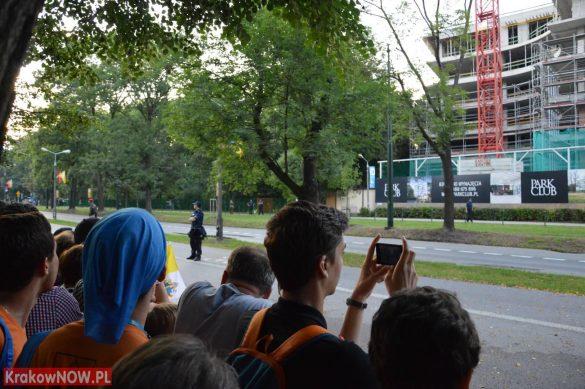sdm friday krakow2016 swiatowe dni mlodziezy 70 585x389 - Galeria zdjęć (Piątek) Światowe Dni Młodzieży w Krakowie