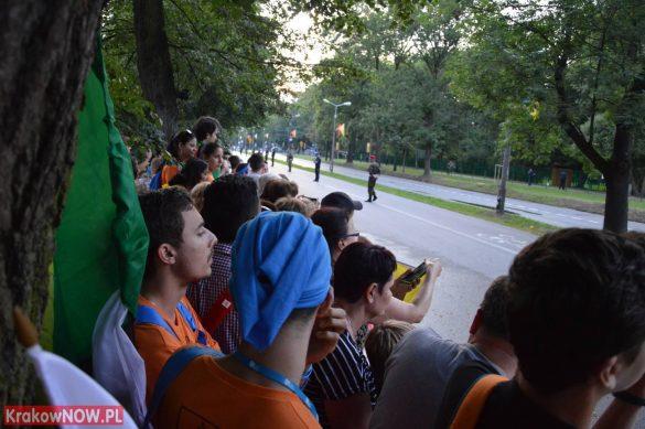sdm friday krakow2016 swiatowe dni mlodziezy 74 585x389 - Galeria zdjęć (Piątek) Światowe Dni Młodzieży w Krakowie