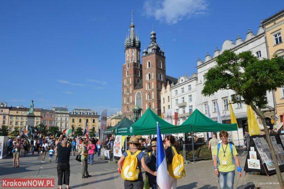 sdm friday krakow2016 swiatowe dni mlodziezy 9 585x389 - Galeria zdjęć (Piątek) Światowe Dni Młodzieży w Krakowie