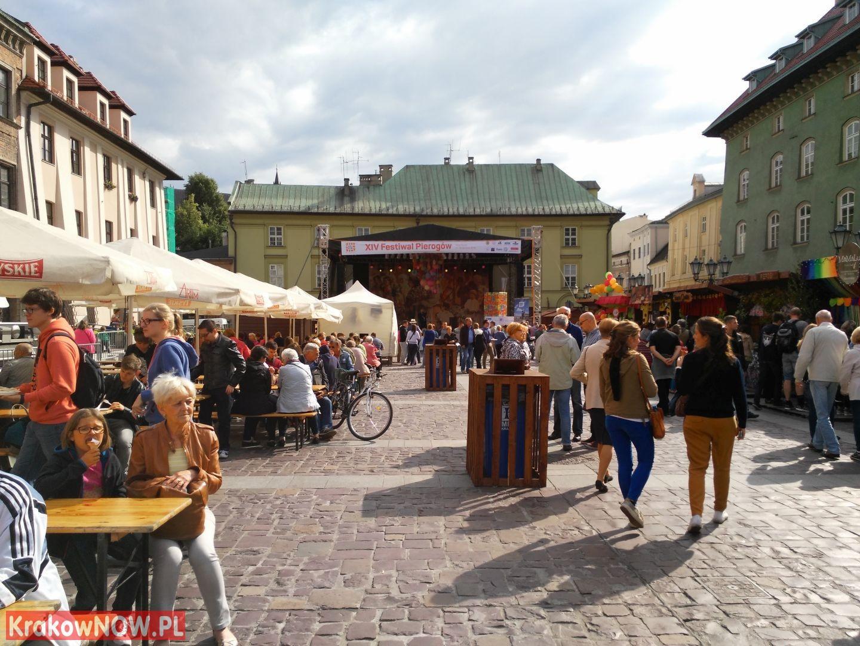 festiwal pierogow krakow maly rynek 36 150x150 - Zdjęcia z 14 Festiwalu Pierogów w Krakowie (czwartek)