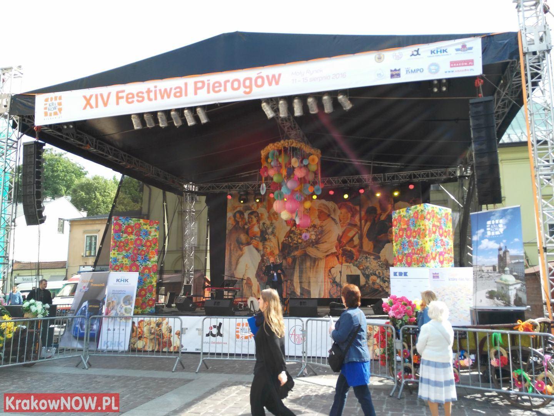 festiwal pierogow krakow maly rynek 39 150x150 - Zdjęcia z 14 Festiwalu Pierogów w Krakowie (czwartek)