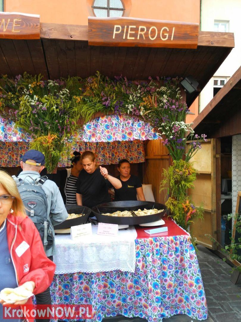 festiwal pierogow krakow maly rynek 9 150x150 - Zdjęcia z 14 Festiwalu Pierogów w Krakowie (czwartek)