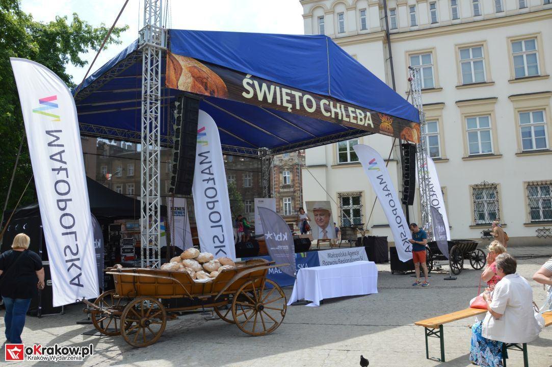 krakow swieto chleba plac wolnica maly rynek krakowski rynek2018 52 150x150 - Foto Galeria Kraków Niedziela 10.06.2018 - Plac Wolnica (Święto Chleba), Mały Rynek, Rynek Główny.