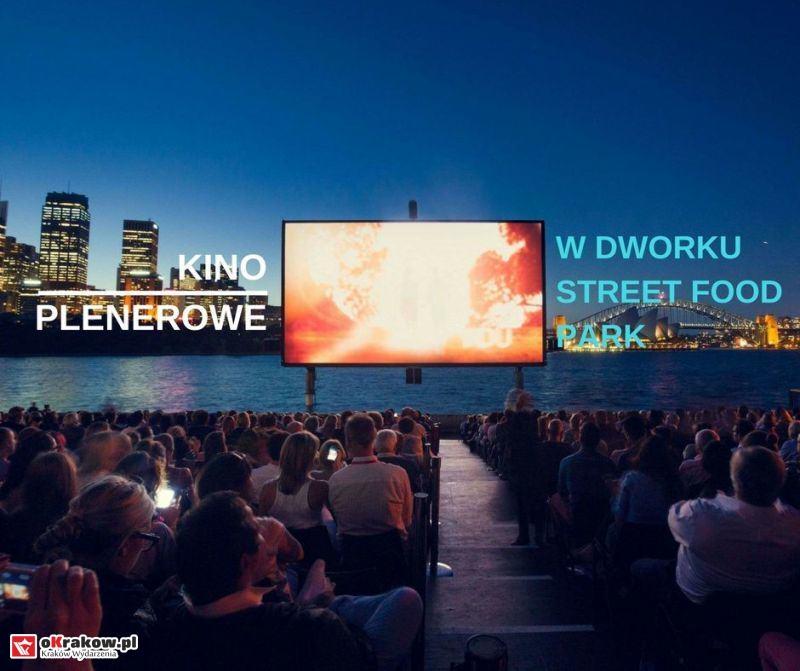 Dworek Street Food Park w Krakowie zaprasza na piątkowe seanse w kinie plenerowym