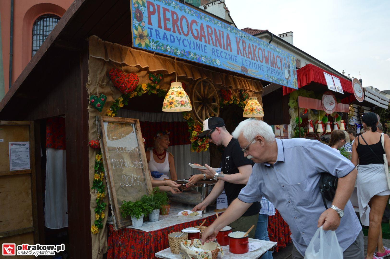 krakow festiwal pierogow maly rynek koncert cheap tobacco 10 150x150 - Galeria zdjęć Festiwal Pierogów Kraków 2018 + zdjęcia z koncertu Cheap Tobacco