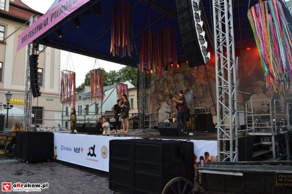 krakow_festiwal_pierogow_maly_rynek_koncert_cheap_tobacco (100)
