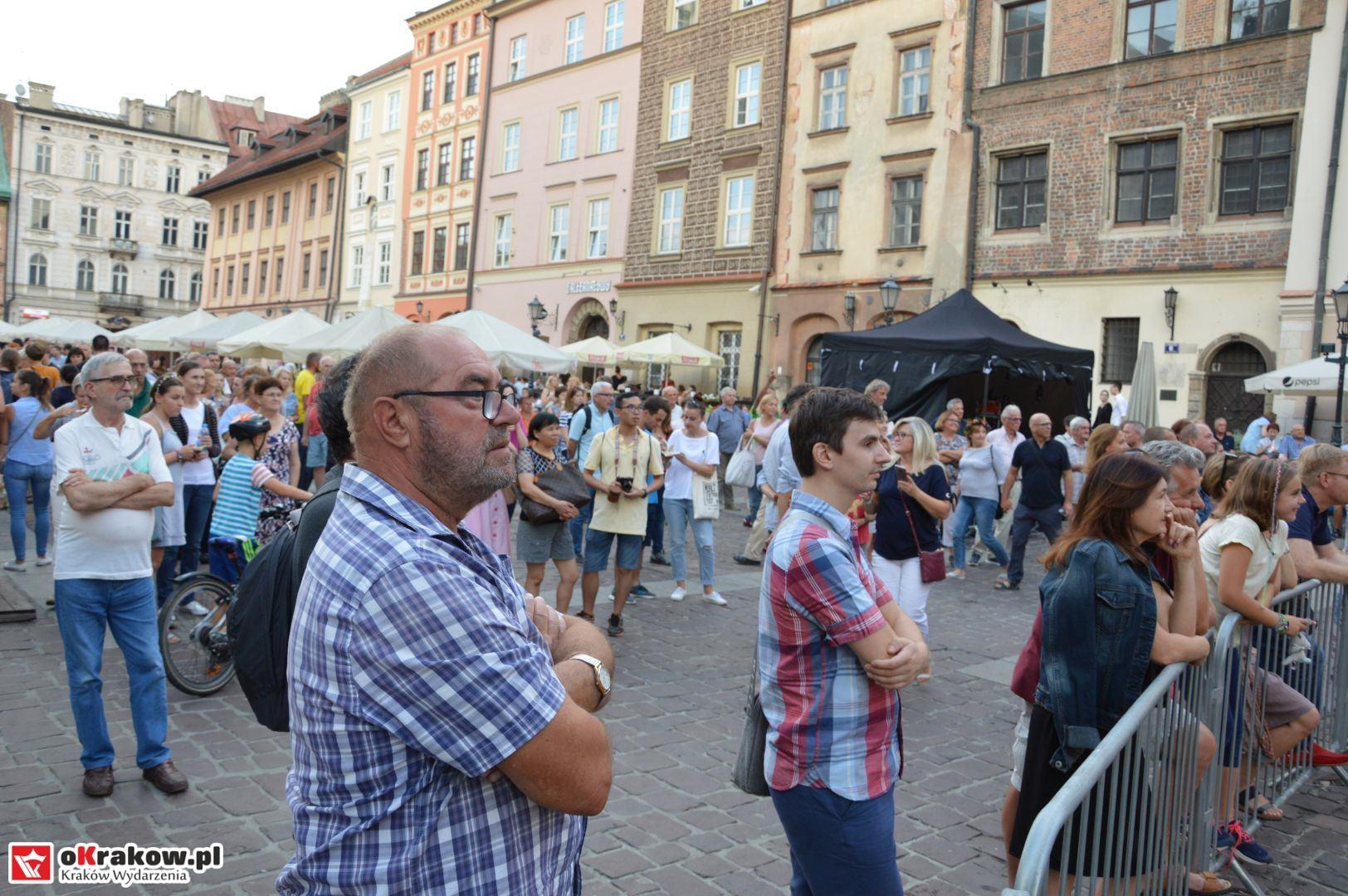 krakow festiwal pierogow maly rynek koncert cheap tobacco 102 150x150 - Galeria zdjęć Festiwal Pierogów Kraków 2018 + zdjęcia z koncertu Cheap Tobacco
