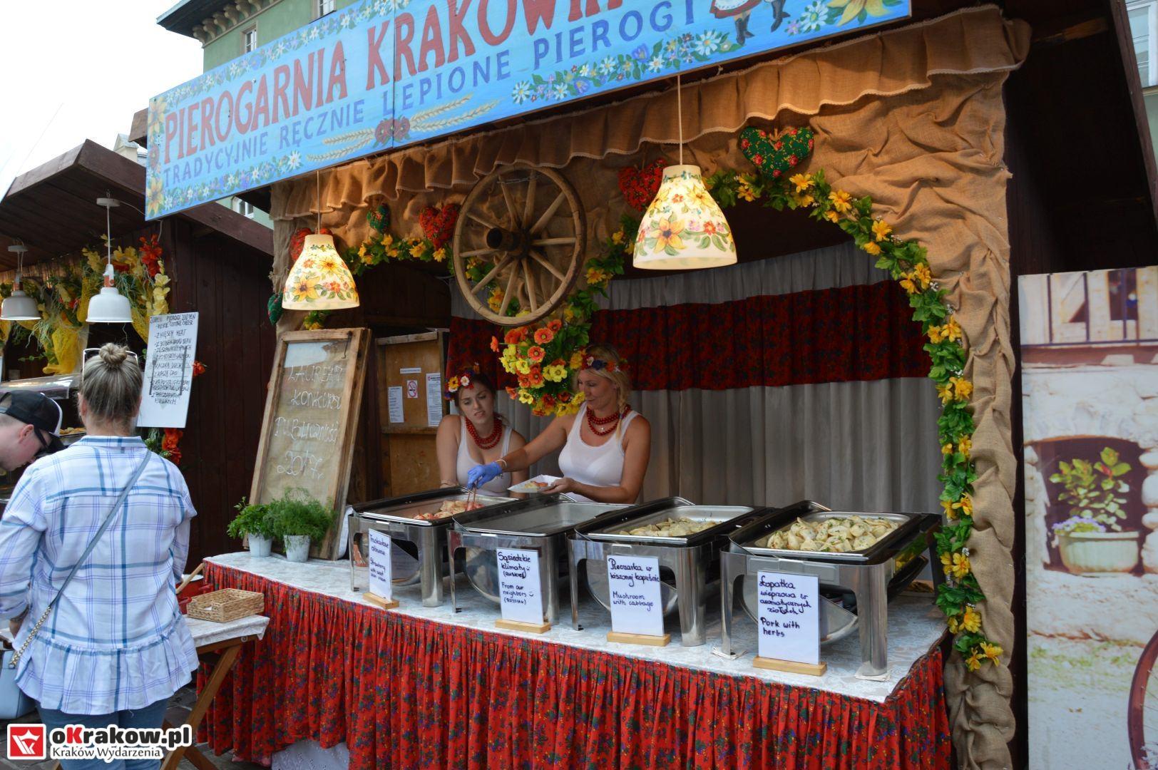 krakow festiwal pierogow maly rynek koncert cheap tobacco 11 150x150 - Galeria zdjęć Festiwal Pierogów Kraków 2018 + zdjęcia z koncertu Cheap Tobacco