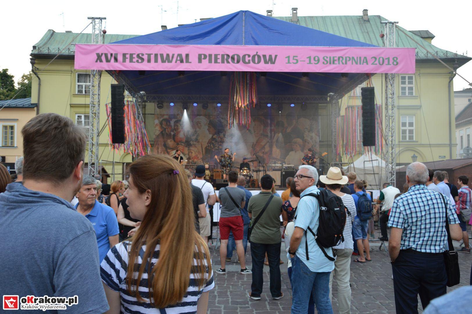 krakow festiwal pierogow maly rynek koncert cheap tobacco 116 150x150 - Galeria zdjęć Festiwal Pierogów Kraków 2018 + zdjęcia z koncertu Cheap Tobacco