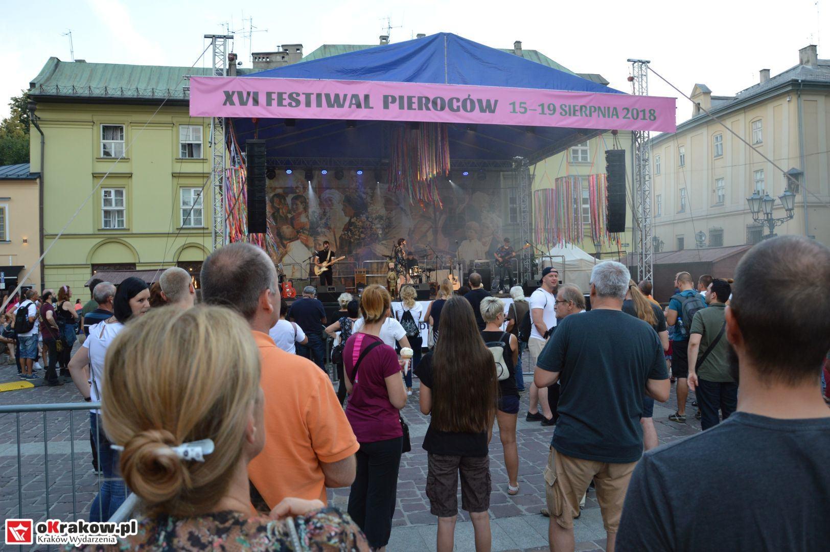 krakow festiwal pierogow maly rynek koncert cheap tobacco 118 150x150 - Galeria zdjęć Festiwal Pierogów Kraków 2018 + zdjęcia z koncertu Cheap Tobacco