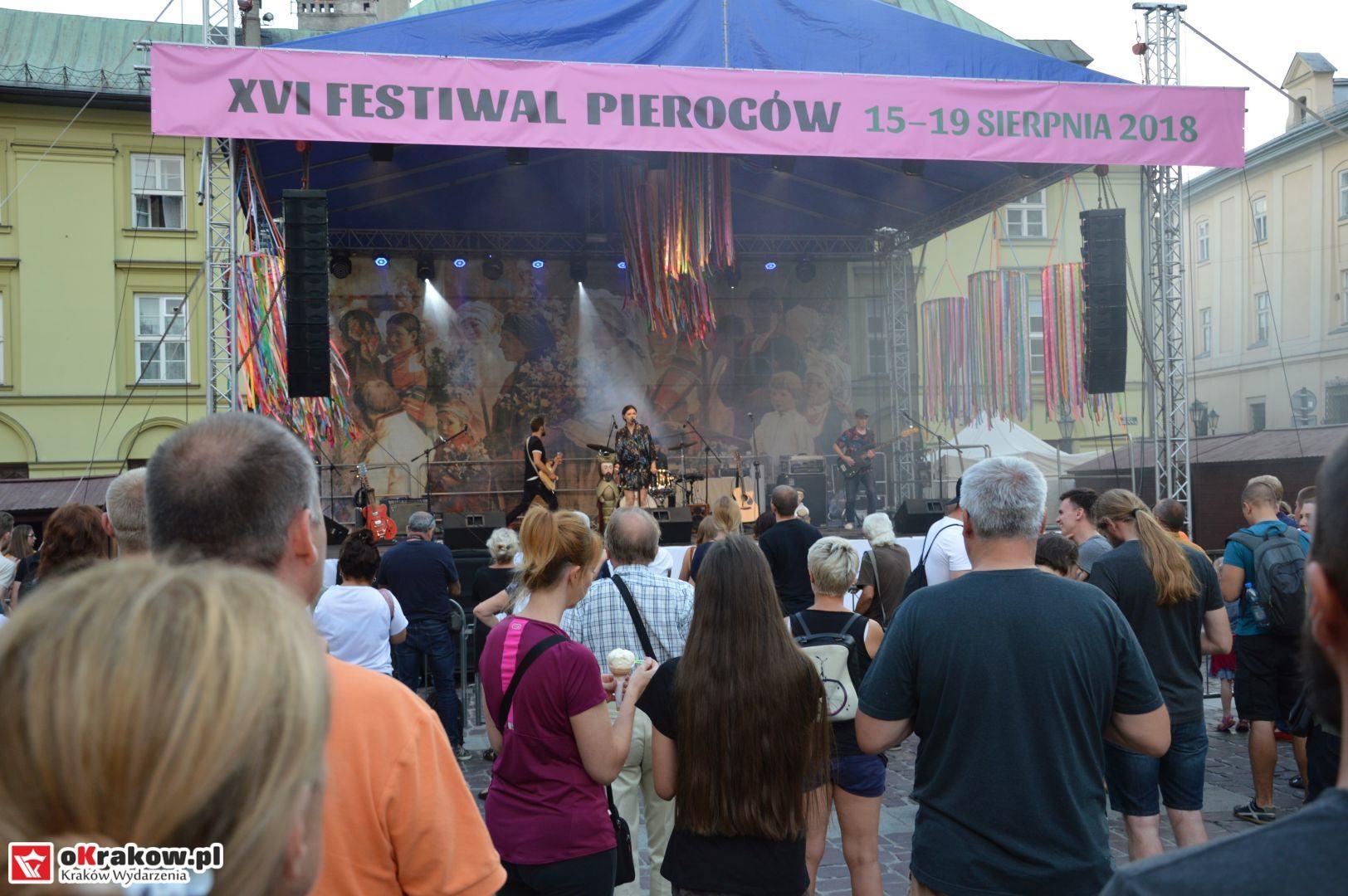 krakow festiwal pierogow maly rynek koncert cheap tobacco 119 150x150 - Galeria zdjęć Festiwal Pierogów Kraków 2018 + zdjęcia z koncertu Cheap Tobacco