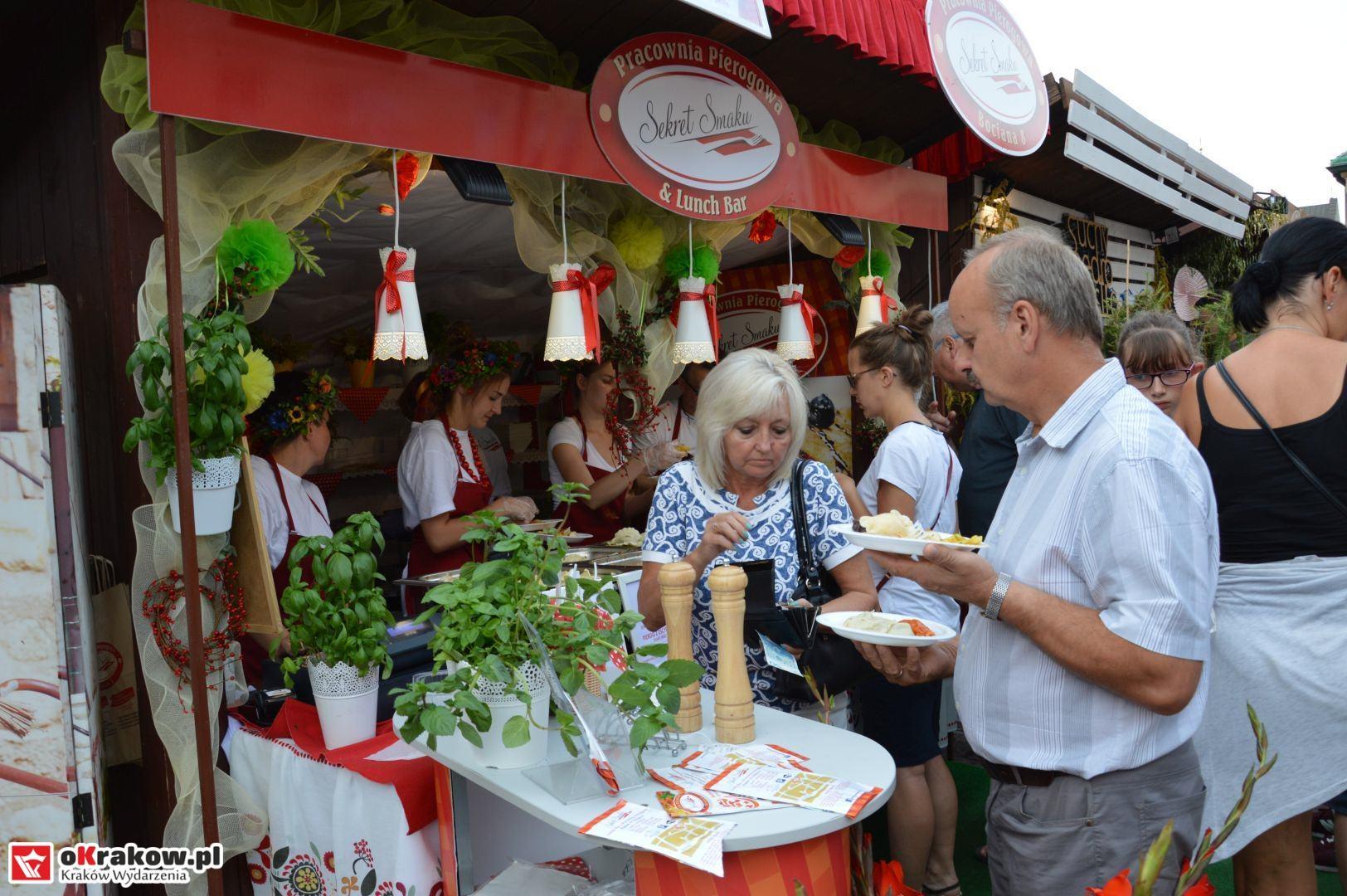 krakow festiwal pierogow maly rynek koncert cheap tobacco 12 150x150 - Galeria zdjęć Festiwal Pierogów Kraków 2018 + zdjęcia z koncertu Cheap Tobacco
